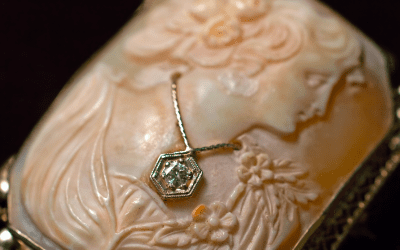 5 Reasons Why Your Family Should Pass Heirlooms From Generation To Generation